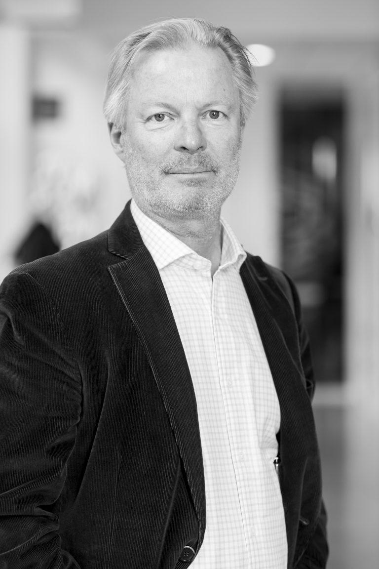 Martin Bjäringer, Director